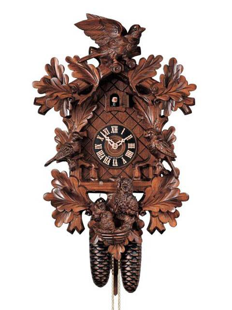 Cuckoo clock depicting nesting birds