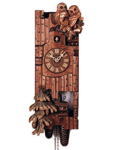 Cuckoo clock in the style of a tree trunk, with nesting Owls