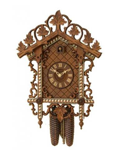 Cuckoo clock with fine and detailed carving